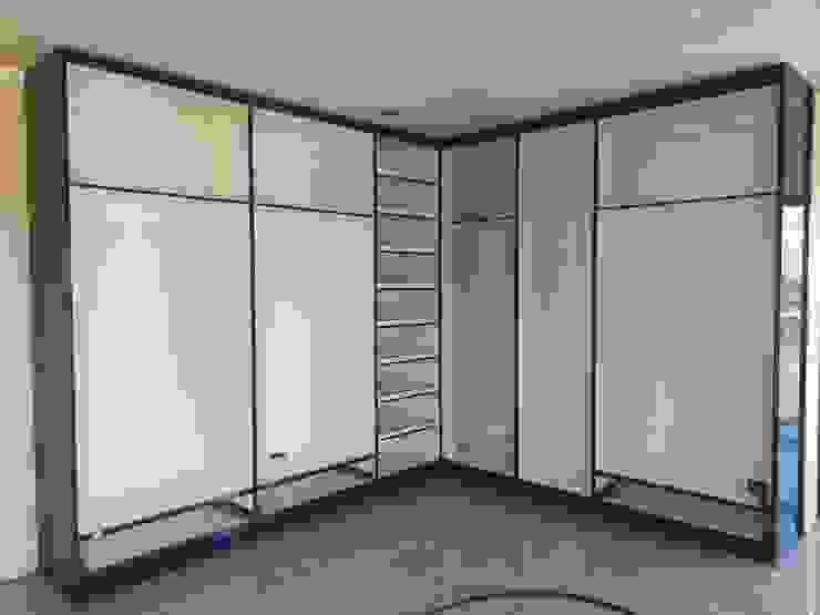 Mr Chego Bics Modern style bedroom by ELIAS & DIKE (Pty) Ltd Modern