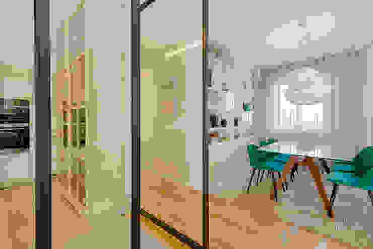 Cozinha - Sala de jantar - Moradia em Leça da Palmeira - SHI Studio Interior Design Salas de jantar modernas por ShiStudio Interior Design Moderno