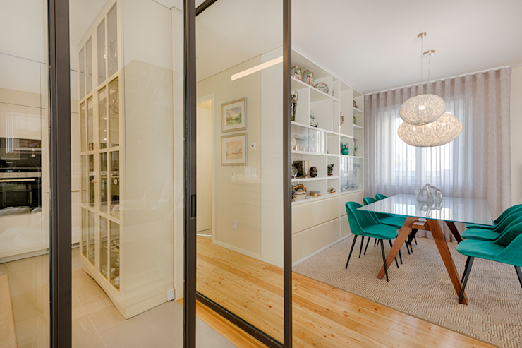 Sala da pranzo moderna di ShiStudio Interior Design Moderno