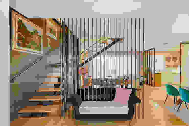 Corridor & hallway by SHI Studio, Sheila Moura Azevedo Interior Design
