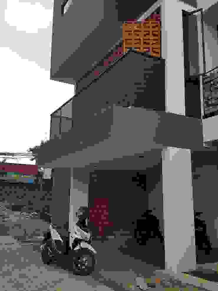 Casa de Sirsak Oleh agata architects Tropis Batu Bata