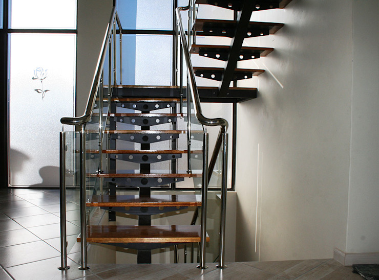 Metallic Office Staircase by Renov8 CONSTRUCTION Modern Metal