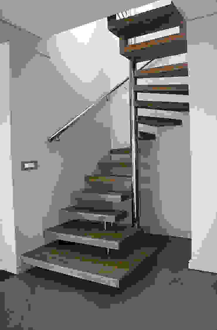 Spiral Staircase by Renov8 CONSTRUCTION Modern Aluminium/Zinc