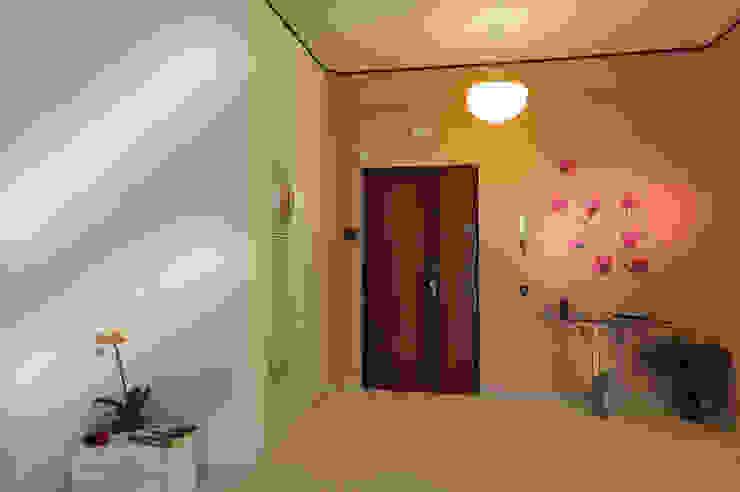 Ingresso - dopo Antonella Petrangeli Ingresso, Corridoio & Scale in stile eclettico