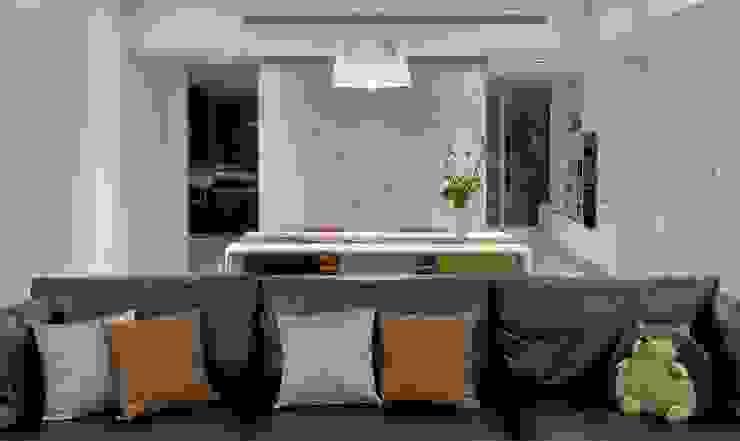 餐桌後的牆面將廚房及衛浴隔開: 現代  by 直方設計有限公司, 現代風