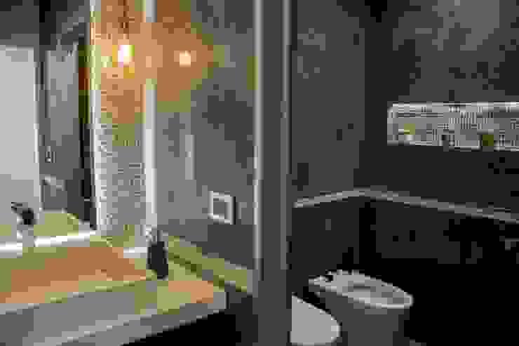 Casa La Reserva Cardales Baños modernos de ARQCONS Arquitectura & Construcción Moderno