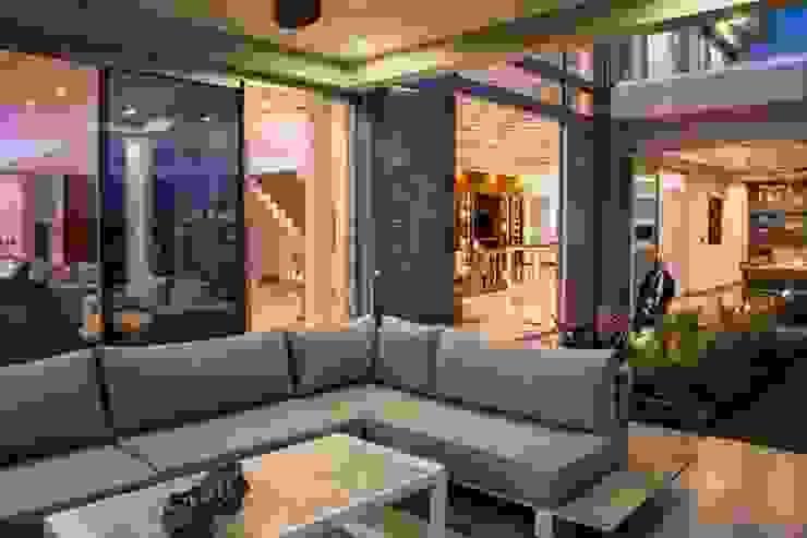 ARQCONS Arquitectura & Construcción의  정원 창고,