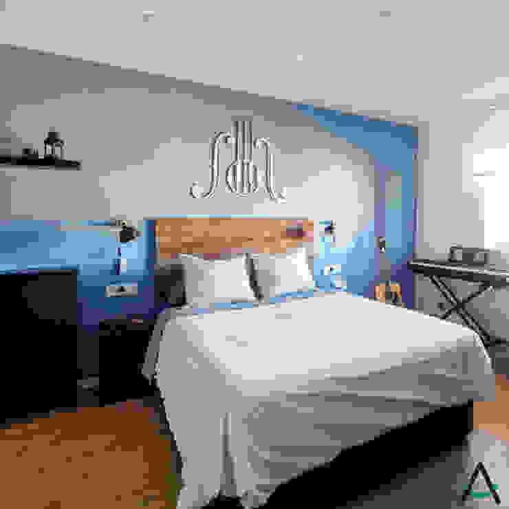 Small bedroom by Estudi Aura, decoradores y diseñadores de interiores en Barcelona, Modern Wood Wood effect
