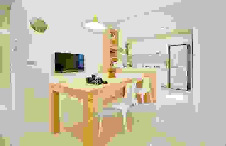 餐廳也延續整體設計風格 直方設計有限公司 Scandinavian style dining room White