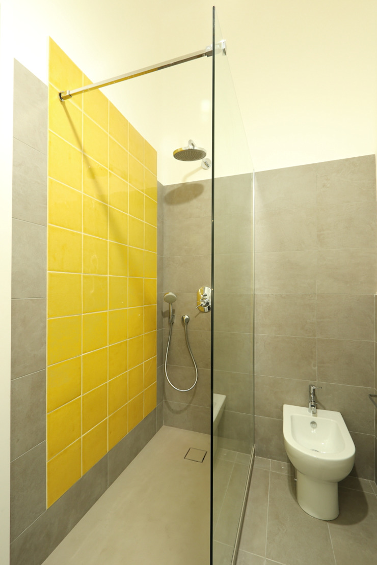 Daniele Arcomano Modern bathroom Ceramic Yellow