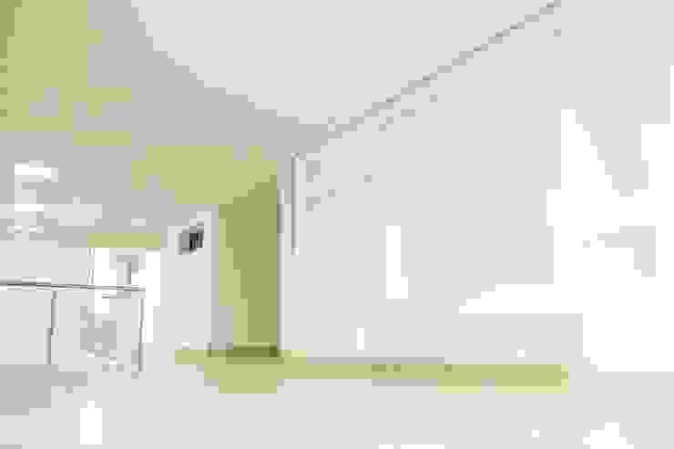 Casa gino, valle verde jamundi Salas multimedia de estilo minimalista de Am arquitectura Minimalista