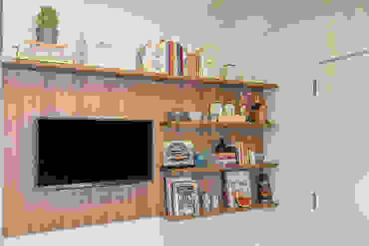 Painel de TV e Estante para Livros e Objetos Lnormand Interiores CozinhaArmários e estantes MDF Efeito de madeira