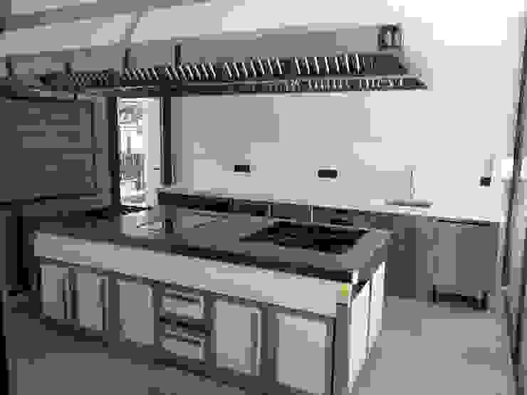 Cocina Excluisiva MAQUINARIA PINAR SL Cocinas integrales Hierro/Acero Metálico/Plateado