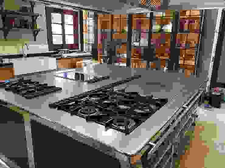 MAQUINARIA PINAR SL Built-in kitchens