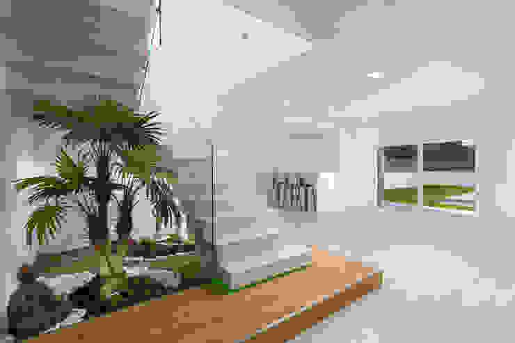 Puertas y ventanas modernas de SAM'S - Soluções em alumínio e PVC Moderno