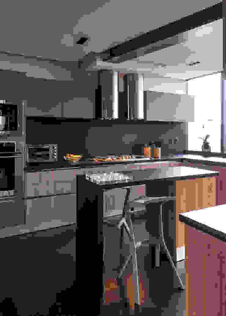 Modern kitchen by Concepto Taller de Arquitectura Modern
