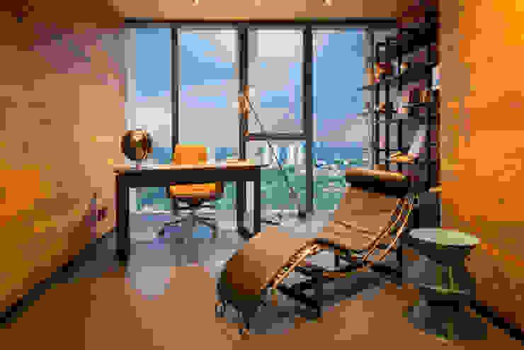 Modern study/office by Concepto Taller de Arquitectura Modern