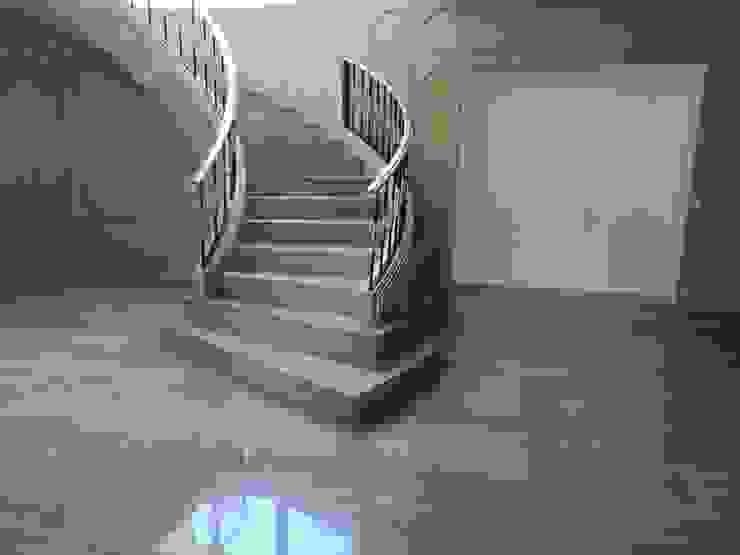 Remodelación obra Virreyes Pasillos, vestíbulos y escaleras clásicas de doblev.arq Clásico