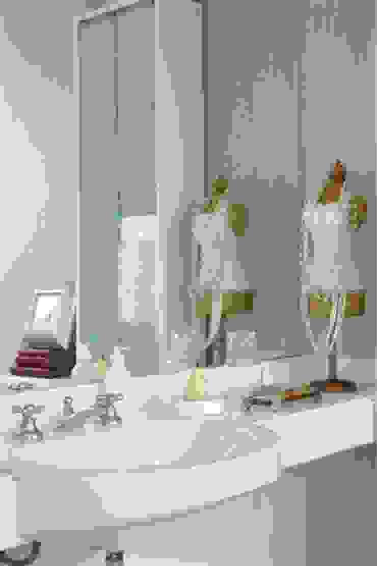 Cristina Szabo Designer de Bem-Estar Baños de estilo moderno Rosa