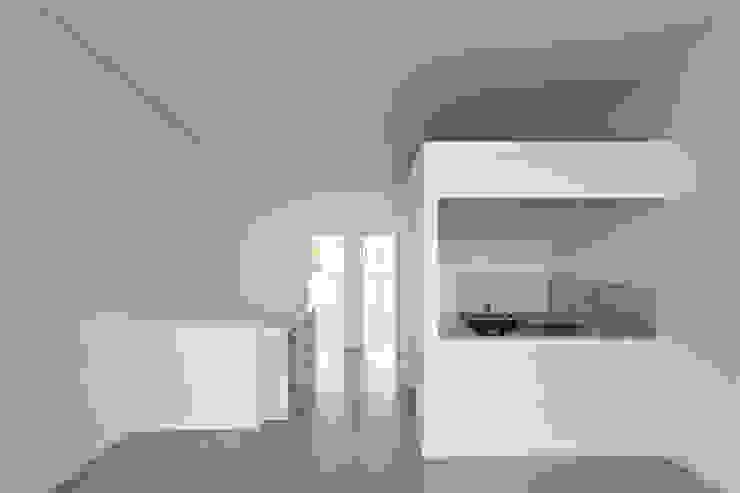 Diseño de 4 Viviendas con Patio en La Plata por por SMF Arquitectos: Cocinas de estilo  por SMF Arquitectos  /  Juan Martín Flores, Enrique Speroni, Gabriel Martinez,Moderno