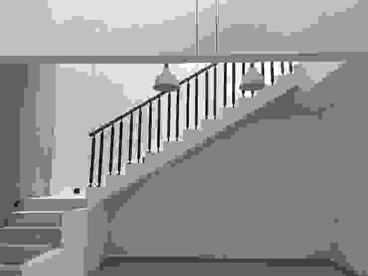 Tangga Oleh indra firmansyah architects Minimalis