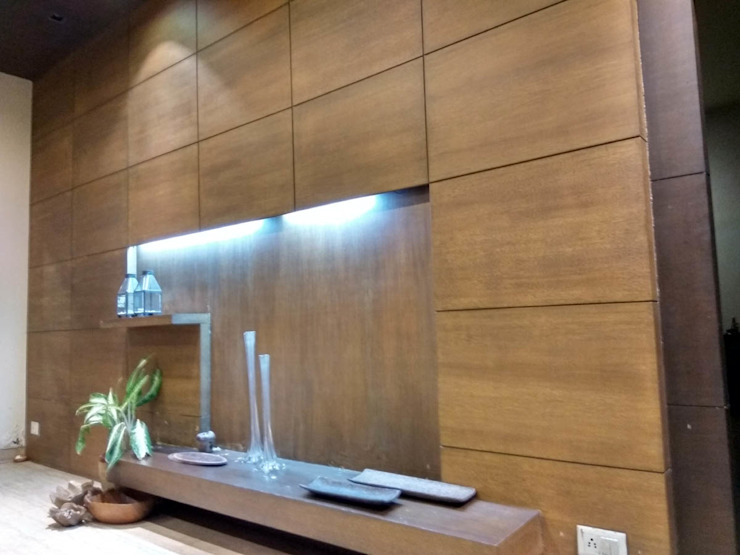 WALL PANELLING Modern walls & floors by Rashi Agarwal Designs Modern Plywood