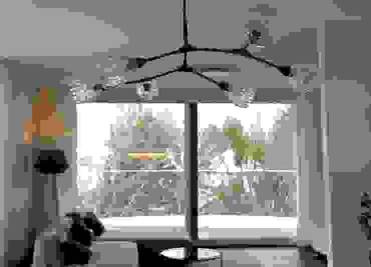 Salon moderne par Anastasia Reicher Interior Design & Decoration in Wien Moderne