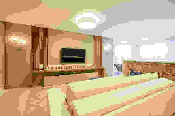 La Decora Ruang Keluarga Modern Beige