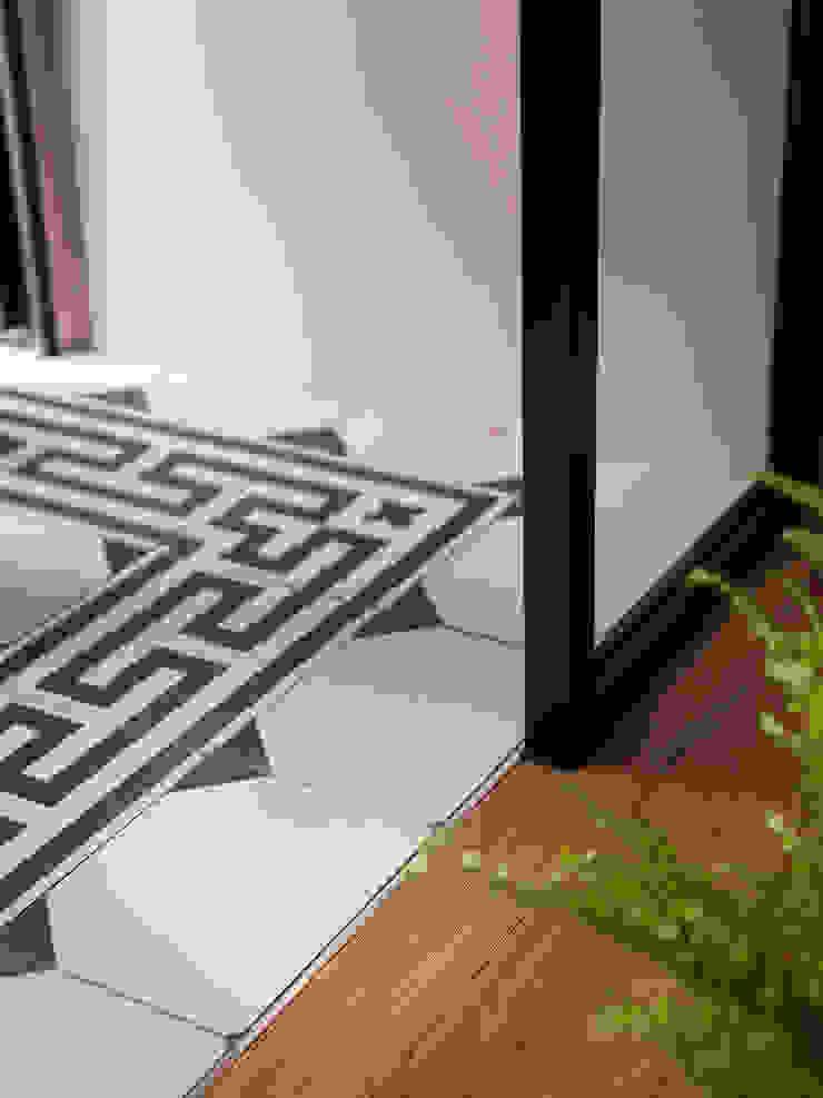 比鄰5之2 斯堪的納維亞風格的走廊,走廊和樓梯 根據 創喜設計 北歐風 磁磚