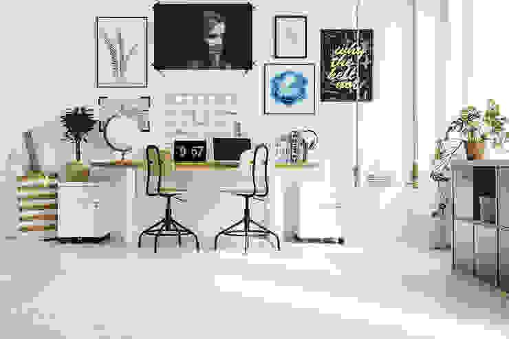 Decoración de oficinas en Málaga Klausroom Estudios y despachos de estilo moderno Derivados de madera Blanco