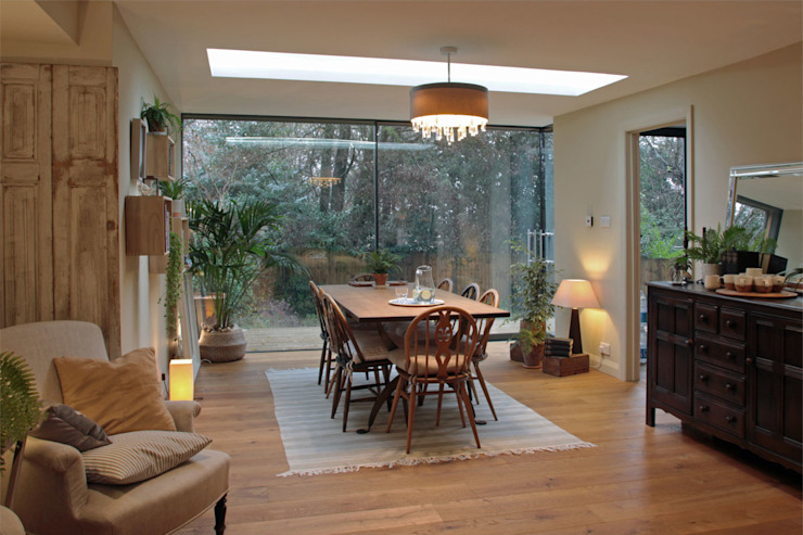 Open Plan Dining Room Featuring Full Height Glazing & Rooflight ArchitectureLIVE Eclectic style dining room