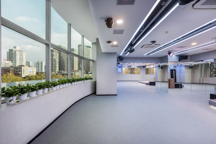 Ruang Fitness oleh On Designlab.ltd, Minimalis