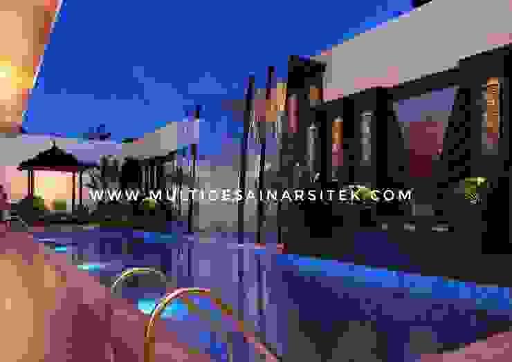 Hôtels tropicaux par arsitekmultidesain Tropical