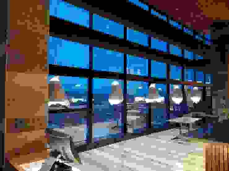 Montaje Luminarias Creps and Wafles Comedores de estilo moderno de Design Group S.A.S. Moderno Aluminio/Cinc