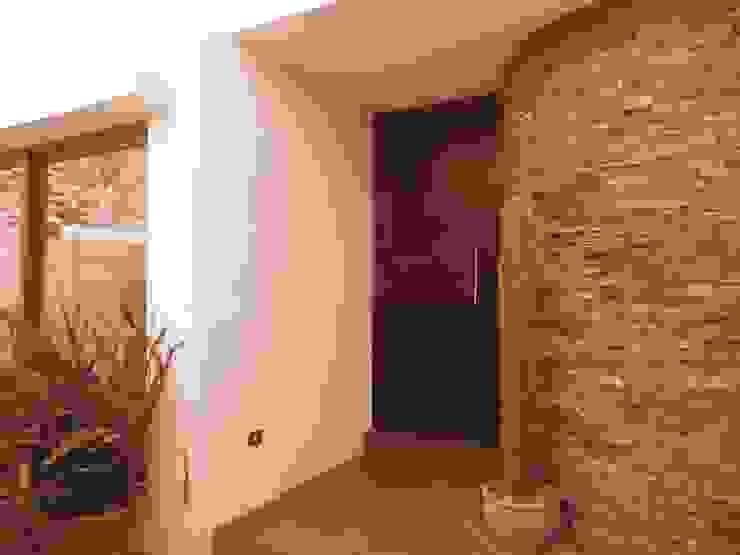 Puerta de entrada de RCR Arquitectos Moderno Piedra