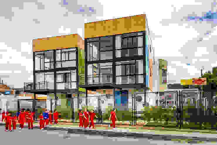 Refugio Cubica de Camacho Estudio de Arquitectura Moderno Derivados de madera Transparente