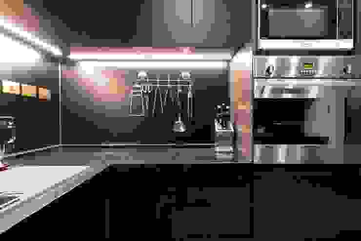 淡水鄒宅 現代廚房設計點子、靈感&圖片 根據 NO5WorkRoom 現代風