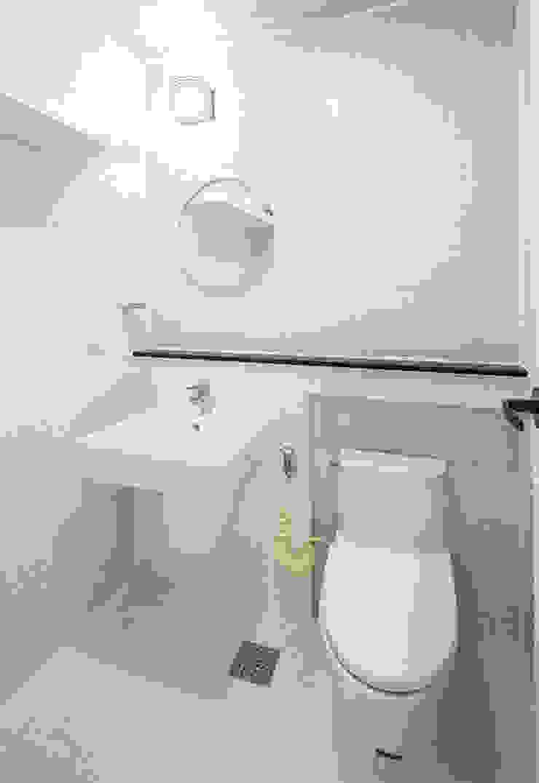 2층욕실 #1 모던스타일 욕실 by 윤성하우징 모던
