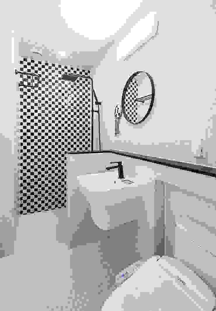 2층욕실 #2 모던스타일 욕실 by 윤성하우징 모던