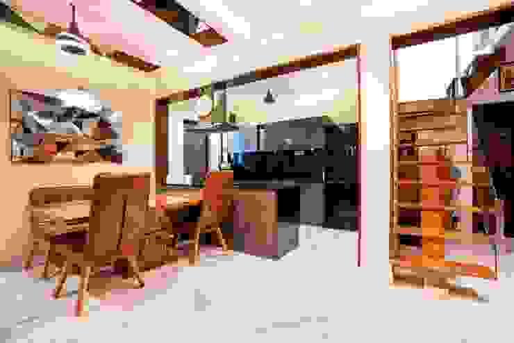 Apartment Interiors at Porvorim Goa Modern dining room by Finch Architects Modern