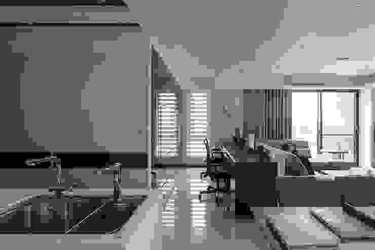 純淨都會-鄉林靜安 根據 富亞室內裝修設計工程有限公司 現代風 木頭 Wood effect