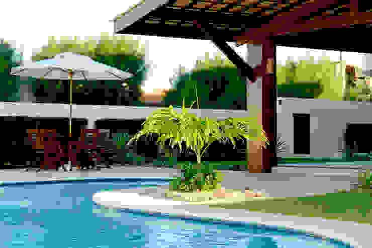 Casa de praia Piscinas modernas por Interart Arquitetura Moderno
