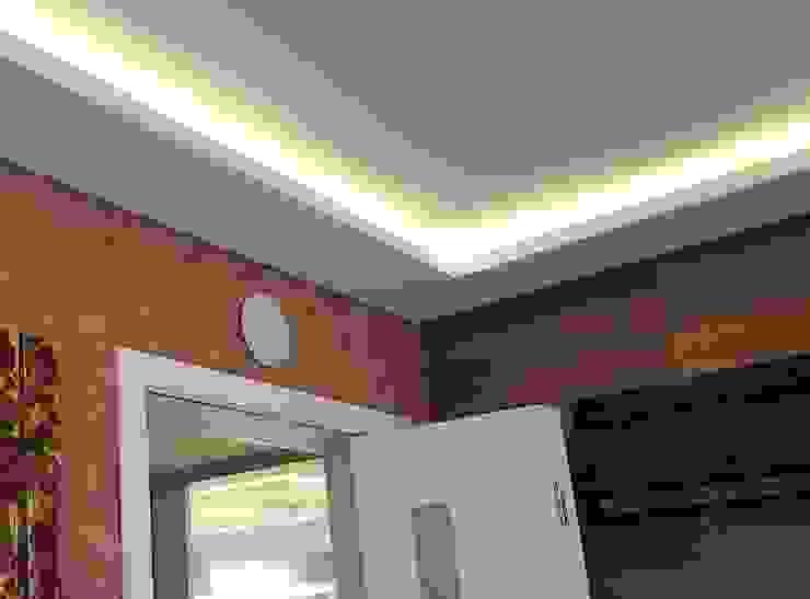 KENP - soluções em áudio e vídeo Modern living room