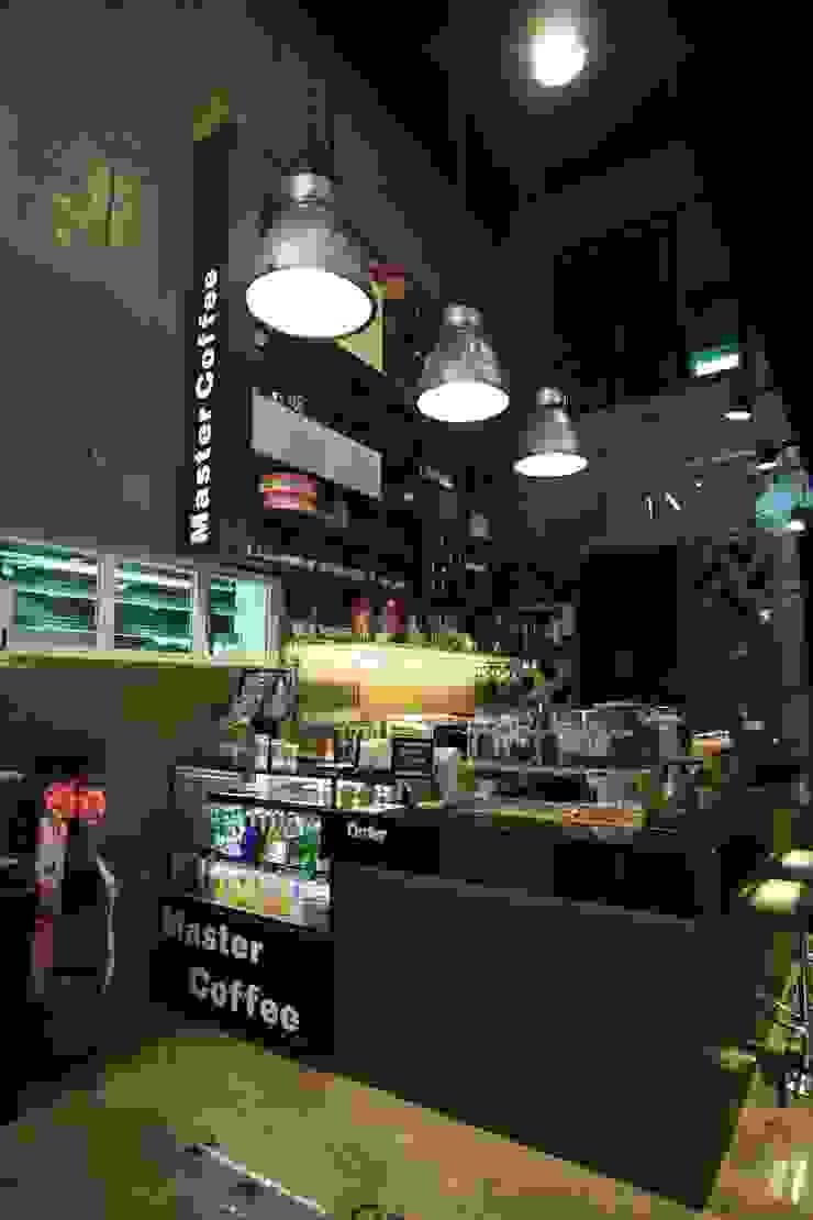 입구 인더스트리얼 스타일 바 & 클럽 by 모노웍스 인더스트리얼