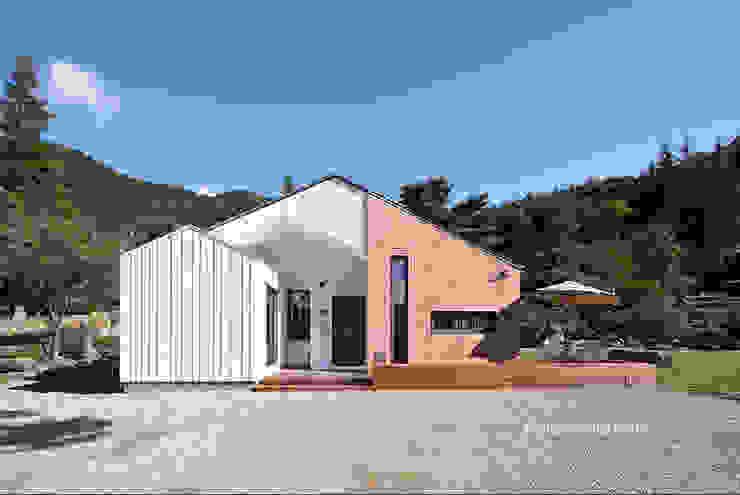 외관 모던스타일 주택 by 주택설계전문 디자인그룹 홈스타일토토 모던