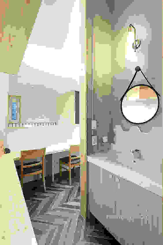 노출 세면대 모던스타일 욕실 by 주택설계전문 디자인그룹 홈스타일토토 모던