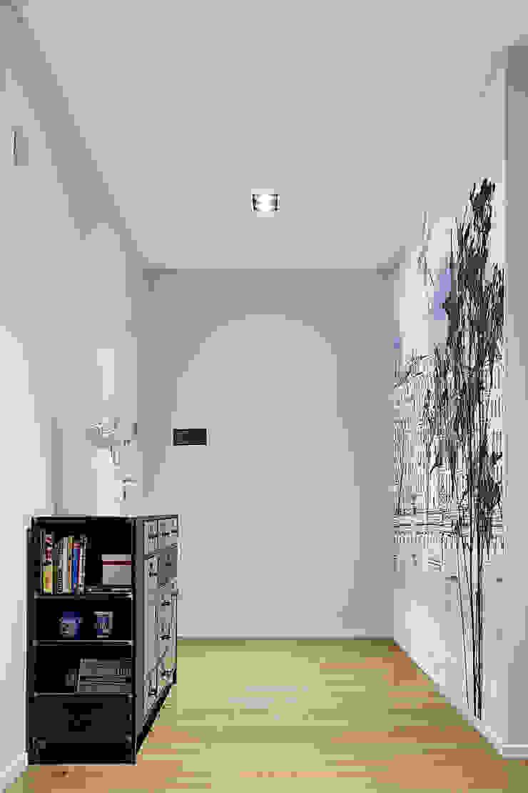 Fed House Architetto Valentina Longo Ingresso, Corridoio & Scale in stile industriale