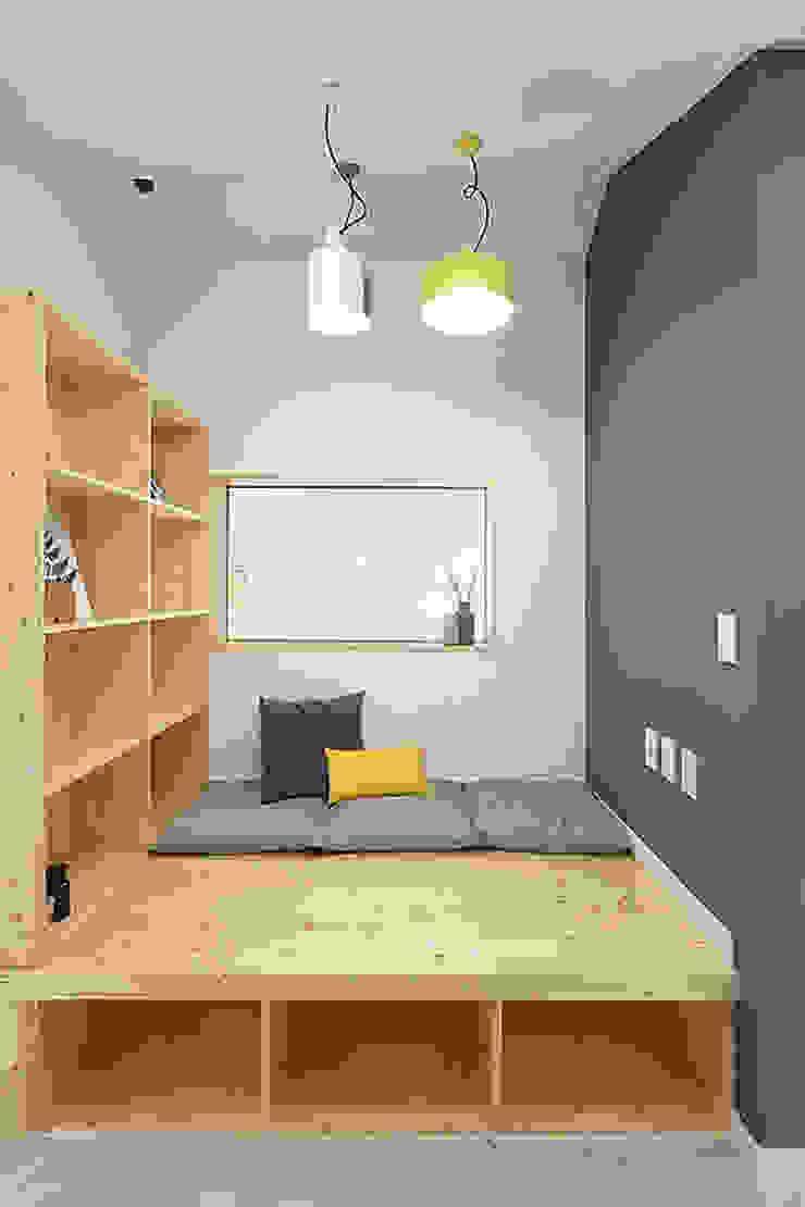 Salas de entretenimiento de estilo moderno de 주택설계전문 디자인그룹 홈스타일토토 Moderno