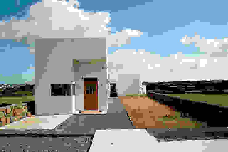 Casas modernas por AAPA건축사사무소 Moderno