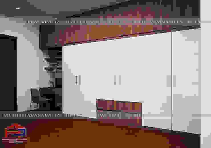 Thiết kế nội thất phòng ngủ nhà anh Phương - Thiết kế tủ quần áo và bàn làm việc trong phòng ngủ master: hiện đại  by Nội thất Hpro, Hiện đại